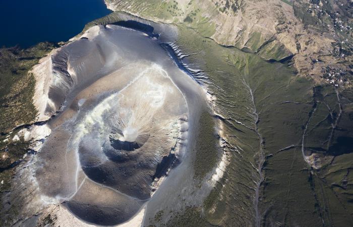 Cratere del vulcano della Fossa