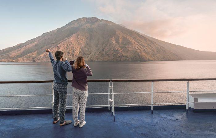 Scopri la linea Napoli-Isole Eolie-Milazzo di Siremar - C&T Isole Minori